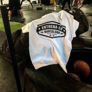 camiseta_entrena_en_barcelona_delantera